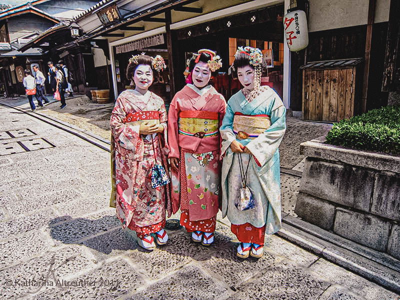 Geishas in Gion in Kyōto