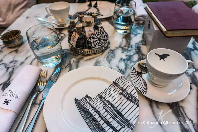 Mad Hatter's Afternoon Tea im Sanderson Hotel