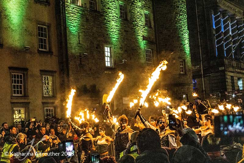 Torchlight Procession an Hogmanay in Edinburgh