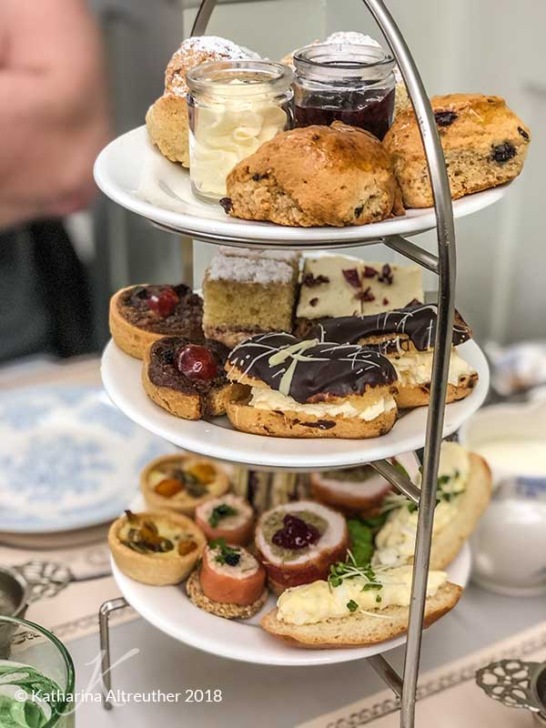 Edinburgh im Winter: Christmas Afternoon Tea