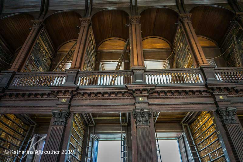 The Long Hall in der Trinity College Bibliothek in Dublin