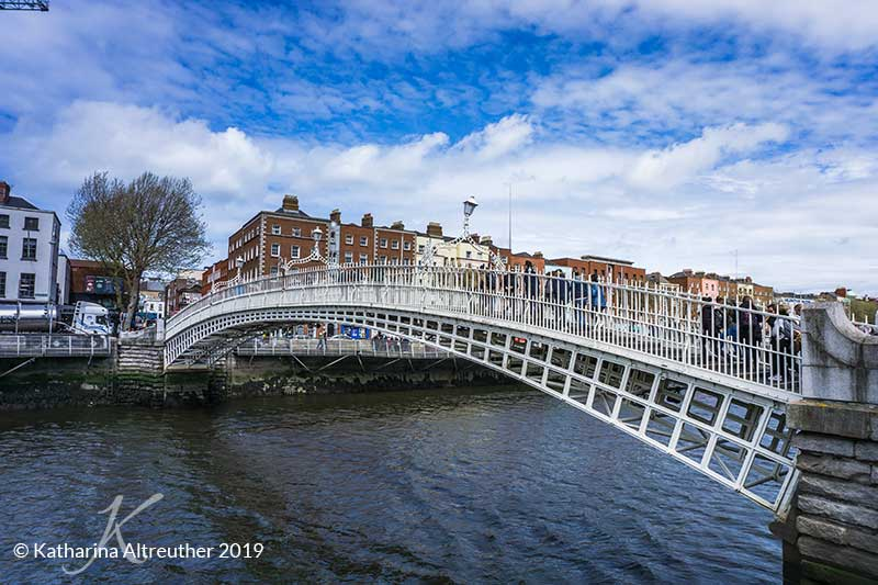 Die Ha'penny Bridge in Dublin