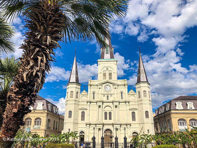 Der Jackson Square mit der St. Louis Cathedral in New Orleans